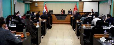El Consejo de la UNA resolvió levantar paro