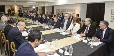 Cancillería prepara decreto para reglamentar Comisión Asesora de Itaipu