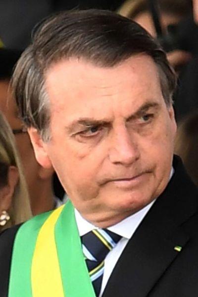 """Jair Bolsonaro fue operado con """"éxito"""""""