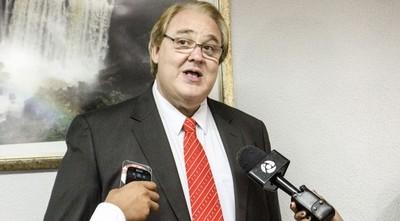 Gobernador sigue sin publicar su lista de beneficiados con becas de posgrado