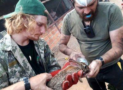 Rescatan animales del incendio en zona del Chaco