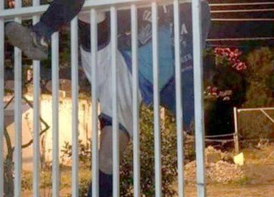 Intentó ingresar a robar y quedó colgado por portón