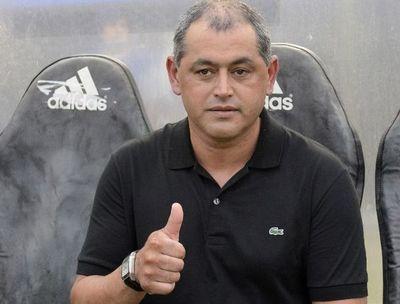 Arce dirige a su sexto equipo en el fútbol paraguayo