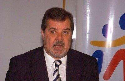 """Opinando contra la corriente: asesor de comisión negociadora de Anexo C dice que acta """"no fue traición a la patria"""""""