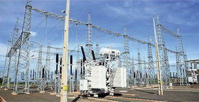 Varias ciudades siguen sin energía eléctrica desde hace horas