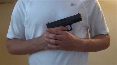 """HOY / Niño recibe disparo de arma  de fuego en el abdomen, su  padrastro dice: """"fue accidental"""""""