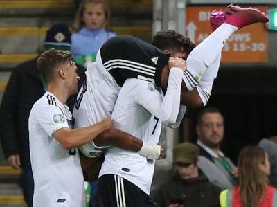 Alemania es líder de su grupo tras una sufrida victoria