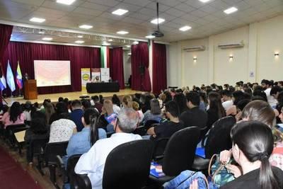 SEGUNDO SIMPOSIO INTERNACIONAL CON IMPACTO EN LA SALUD PÚBLICA SE REALIZÓ EN LA GOBERNACIÓN DE ITAPÚA