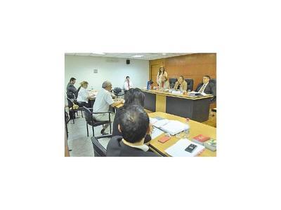 Tres testigos en el juicio oral al senador Salyn Buzarquis