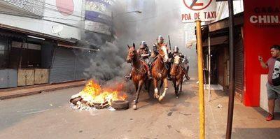 Contrabandistas recurren a la violencia y siembran caos con cierre de comercio en CDE