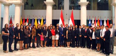 Funcionarios públicos culminaron hoy el curso de alto nivel en derechos humanos