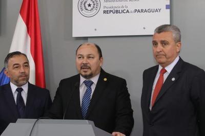 Firma de acuerdo apunta a la formalización del comercio informal en la zona primaria