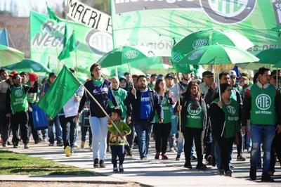 Comienza huelga de funcionarios públicos en Argentina por agravamiento de la crisis