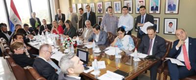 Paraguay analiza cupos de importación y exportación de autopartes