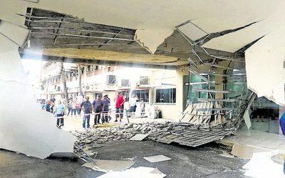 IPS dispuso demolición y ordena pericia tras derrumbe de cielorraso