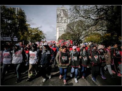 PROTESTAS POR LA CRISIS EN ARGENTINA CRECEN CON HUELGA DE EMPLEADOS PÚBLICOS