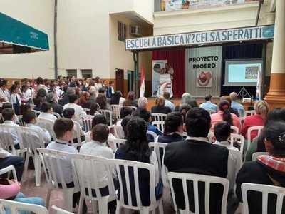 MEC y Policía Nacional activan programa de lucha contra las drogas y la violencia en escuelas