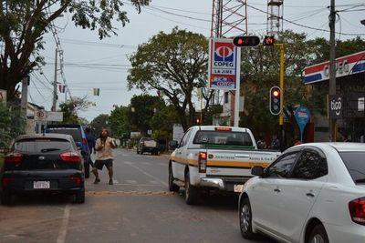 Instalan semáforos en San Juan Bautista
