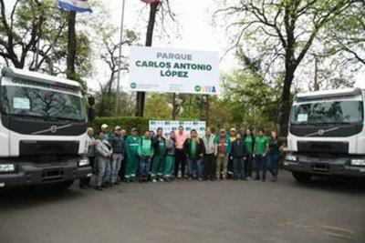 Municipalidad de Asunción habilita tres nuevos camiones recolectores de basura