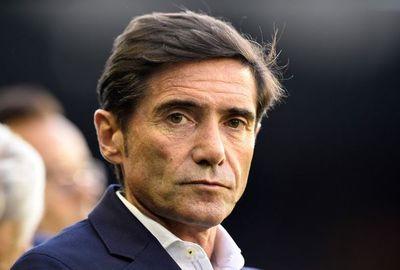El Valencia destituye a su entrenador