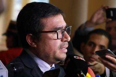 ABDO TOMA RENUNCIA DE MINISTRO DE JUSTICIA Y REMUEVE AL COMANDANTE DE LA POLICÍA