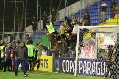 Batacazo del Cristóbal Colón a Olimpia por Copa Paraguay