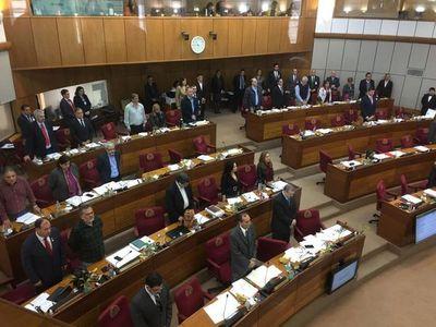 Senadores fustigan política de seguridad de Abdo y piden interpelación de ministro
