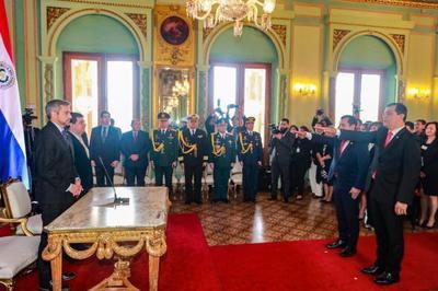Mandatario tomó juramento a nuevos ministros de Agricultura y de Justicia