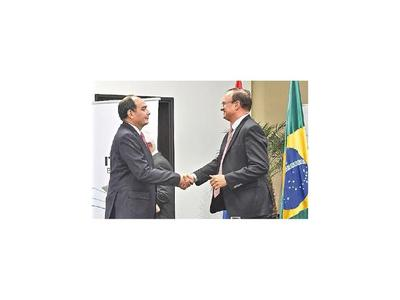 Dilatan estudio para prestar acuerdo a director de Itaipú