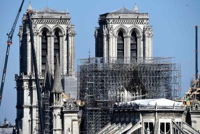 """La catedral de Notre Dame """"sigue en peligro"""""""