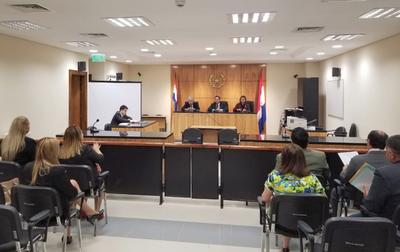 Capacitaron a magistrados y funcionarios de Puerto Casado