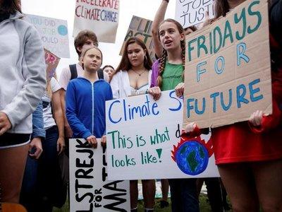 Greta reclama acción contra cambio climático frente a la Casa Blanca