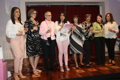 Merienda en apoyo a mujeres con cáncer