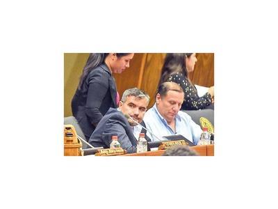 Los cambios son solo por coyuntura, sostiene Acosta