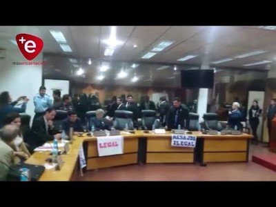 TRAS INCIDENTES, RETORNA LA CALMA EN LA JUNTA DEPARTAMENTAL DE ITAPÚA