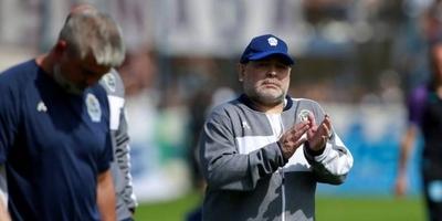 HOY / Amargo debut de Maradona como técnico de Gimnasia