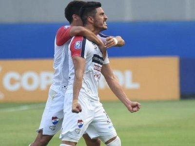 Nacional golea a Capiatá en el debut de Chiqui Arce