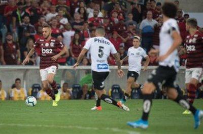 Flamengo reina en la primera vuelta del fútbol en Brasil, Santos flaquea y Fluminense sufre menos