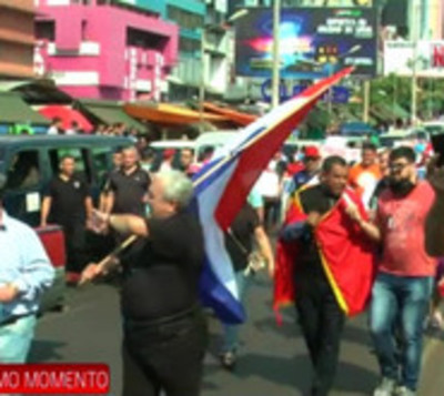 Policías retirados se movilizan exigiendo renuncia de Villamayor