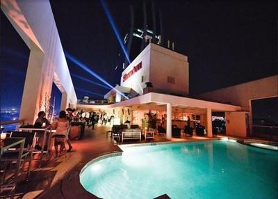 Terraza de hotel abre temporada de primavera con promo