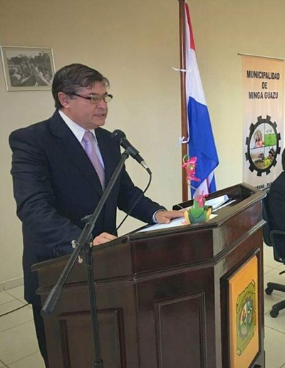 Si Caballero no entrega documentos, advierten que pedirán intervención de la Municipalidad de Minga Guazú