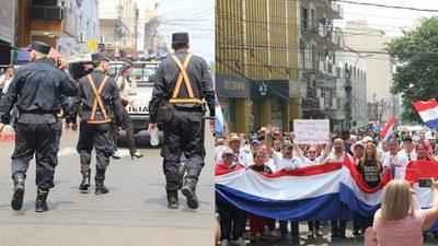 Dos caras de la Policía Nacional