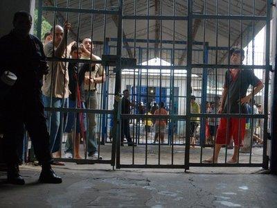 Nueva viceministra de Política Criminal plantea cerrar Tacumbú y el Buen Pastor