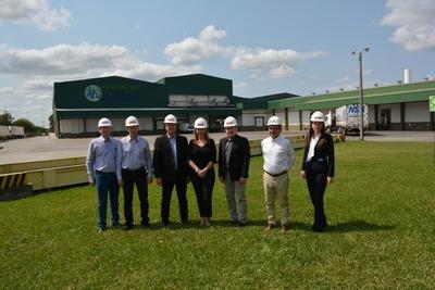 MIC visita a industrias frigoríficas que participarán de la Feria Internacional Anuga