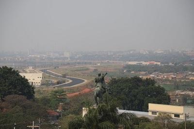 Exministro habla de peligros de nube tóxica a causa de incendios