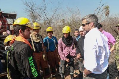 Mario Abdo se trasladó al Chaco para verificar los trabajos de combate a los incendios