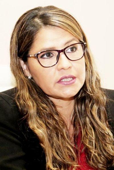 """Malas decisiones dejaron al país en una """"situación urgente"""", según Pérez"""