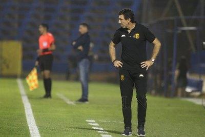 Gustavo Costas quiere bajar a Olimpia