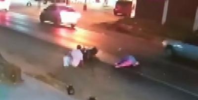 Buscan a conductor de furgoneta que atropelló a pareja