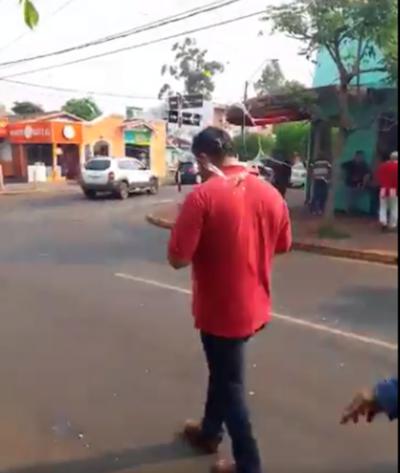 Piris, expulsado a los huevasos de manifestación en Encarnación